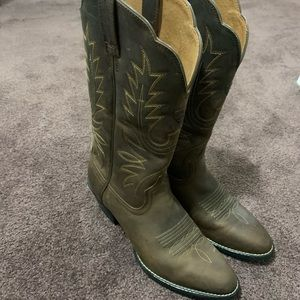 Ariat Wo's heritage western boots Sz 6B